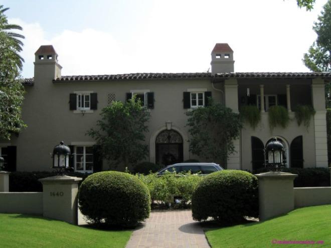 Pasadena: Brothers & Sisters House