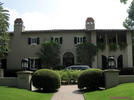 Pasadena: Brothers & Sisters House