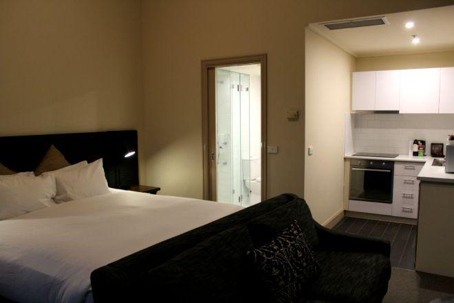 Studio Apartment, The Grand Hotel Melbourne