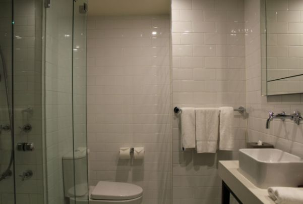Bathroom, Studio Apartment, Grand Hotel Melbourne
